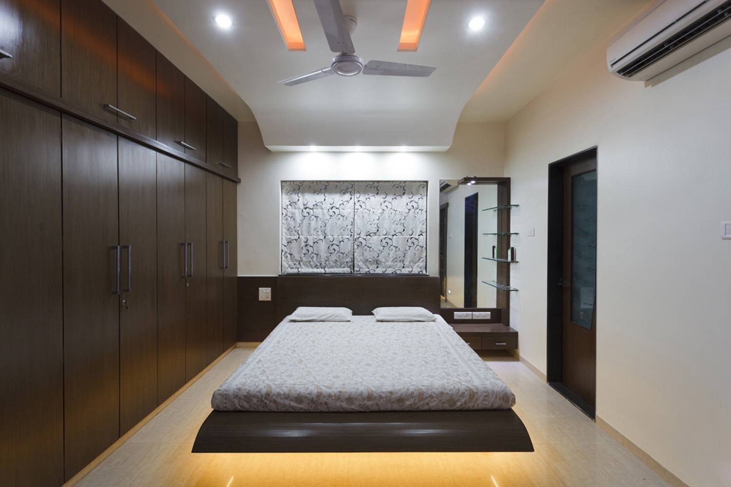 Bed room interior design portfolio leading interior designer pune Room design site